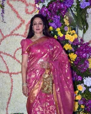 Hema Malini - Photos: Wedding Reception Of Sooraj Barjatya's Son Devansh At Jw Marriott Juhu