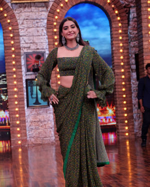 Sonam Kapoor Ahuja - Photos: Celebs On The Sets Of Zee Tv Movie Masti With Manish Paul   Picture 1688973