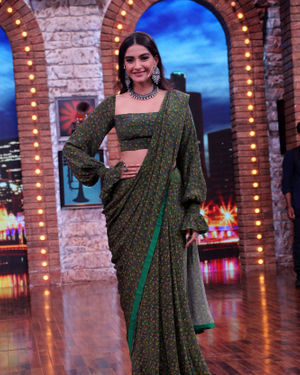 Sonam Kapoor Ahuja - Photos: Celebs On The Sets Of Zee Tv Movie Masti With Manish Paul