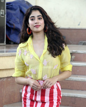 Janhvi Kapoor - Photos: Celebs On The Sets Of Zee Tv Movie Masti With Manish Paul | Picture 1688992