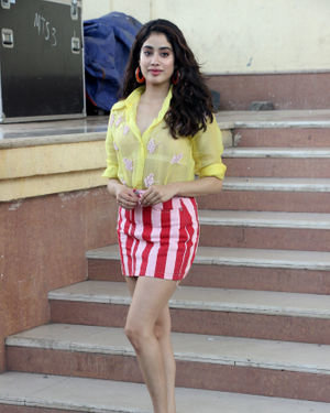 Janhvi Kapoor - Photos: Celebs On The Sets Of Zee Tv Movie Masti With Manish Paul | Picture 1688991