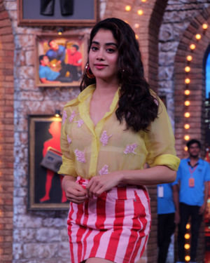 Janhvi Kapoor - Photos: Celebs On The Sets Of Zee Tv Movie Masti With Manish Paul | Picture 1688984