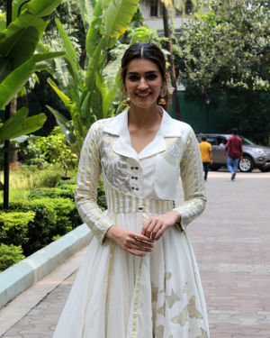 Kriti Sanon - Photos: Celebs At NDTV Swachhagraha At Yashraj Studios In Andheri