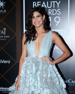 Aahana Kumra - Photos: Elle Beauty Awards 2019