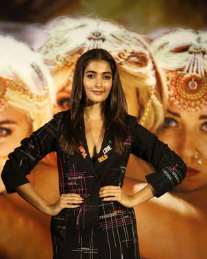 Pooja Hegde - Photos: Housefull 4 Press Conference At Hyderabad | Picture 1690063