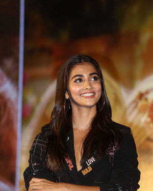 Pooja Hegde - Photos: Housefull 4 Press Conference At Hyderabad | Picture 1690022