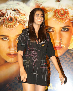 Pooja Hegde - Photos: Housefull 4 Press Conference At Hyderabad | Picture 1690009