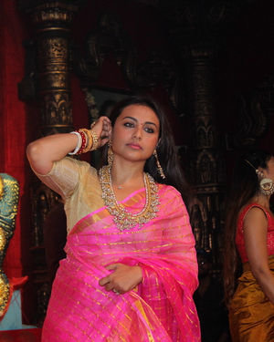Rani Mukerji - Photos: Celebs At Durga Puja In Juhu