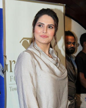 Zareen Khan - Photos: Press Conference Of Gravittus Foundation & UNICEF On Child Rights | Picture 1690743