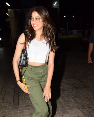 Janhvi Kapoor - Photos: Screening Of The Sky Is Pink At PVR Juhu | Picture 1690796