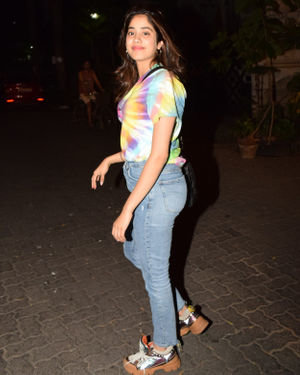 Photos: Janhvi Kapoor Spotted At Arjun Kapoor's House | Picture 1691963