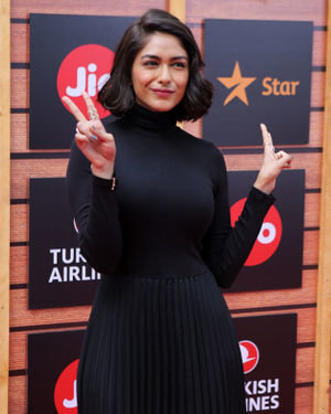 Mrunal Thakur - Photos: Red Carpet Of The Jio Mami Movie Mela With Star 2019