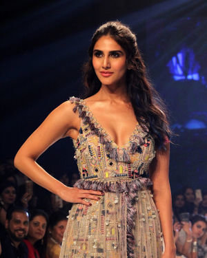 Photos: Vaani Kapoor At Bombay Times Fashion Week 2019