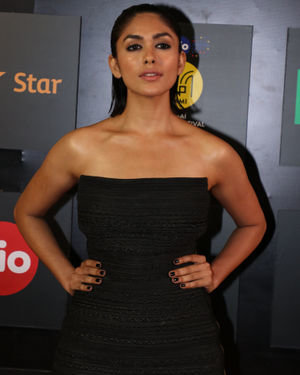 Mrunal Thakur - Photos: Celebs At Opening Ceremony Of Mami Film Festival 2019