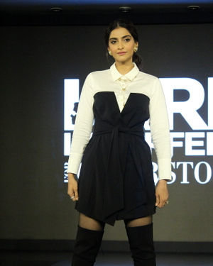 Photos: Sonam Kapoor Ahuja At The Launch Of Cover Story Capsule Collection   Picture 1692036