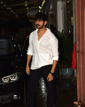 Kartik Aaryan - Photos: Celebs Spotted At Sunny Super Sound