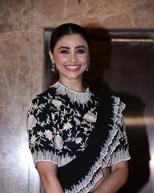 Daisy Shah - Photos:  Celebs At Ramesh Taurani's Diwali Party At His Bandra Residence