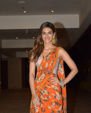 Kriti Sanon - Photos: Jackky Bhagnani's Diwali Party At Bandra