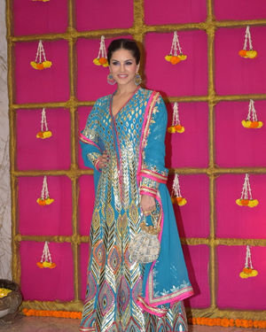 Sunny Leone - Photos: Krishan Kumar's Diwali Party At Juhu