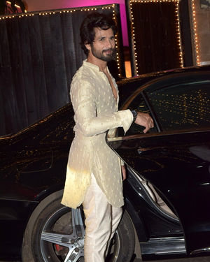 Shahid Kapoor - Photos: Celebs At Anil Kapoor's Diwali Party In Juhu