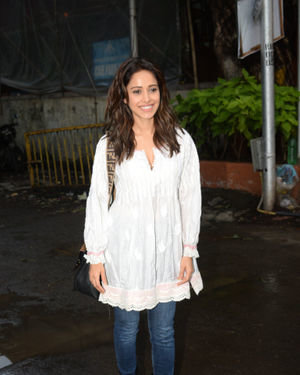 Nushrat Bharucha - Photos: Celebs Spotted at Juhu | Picture 1679963