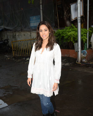 Nushrat Bharucha - Photos: Celebs Spotted at Juhu | Picture 1679960
