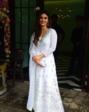 Mouni Roy - Photos: Bollywood Celebs At Arpita Khan's Home For Ganesh Chaturthi