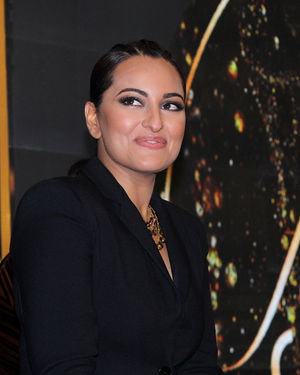 Photos: Sonakshi Sinha At The Launch Of 'Fashion Superstar' | Picture 1680812