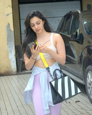 Kiara Advani - Photos: Celebs Spotted at Andheri