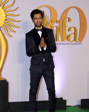 Vicky Kaushal - Photos: Celebs At The Green Carpet Of The IIFA Rocks 2019 | Picture 1682977