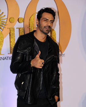 Arjun Rampal - Photos: Celebs At The Green Carpet Of The IIFA Rocks 2019 | Picture 1682969