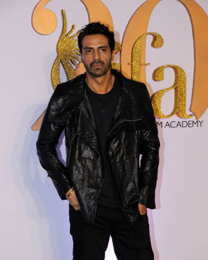 Arjun Rampal - Photos: Celebs At The Green Carpet Of The IIFA Rocks 2019 | Picture 1682970