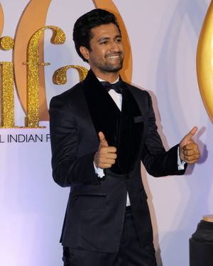 Vicky Kaushal - Photos: Celebs At The Green Carpet Of The IIFA Rocks 2019 | Picture 1682974