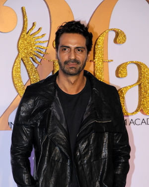 Arjun Rampal - Photos: Celebs At The Green Carpet Of The IIFA Rocks 2019