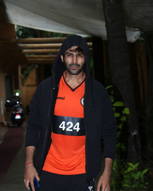 Kartik Aaryan - Photos: Celebs Spotted at Gym