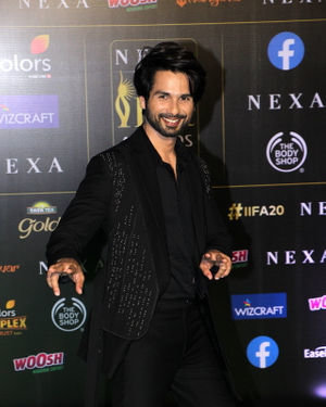 Shahid Kapoor - Photos: Celebs At The Green Carpet Of The IIFA Rocks 2019 | Picture 1683564