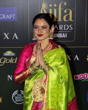 Rekha - Photos: Celebs At The Green Carpet Of The IIFA Rocks 2019