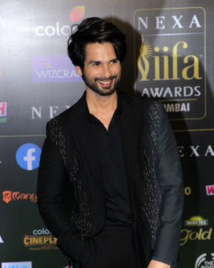 Shahid Kapoor - Photos: Celebs At The Green Carpet Of The IIFA Rocks 2019