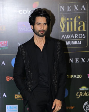 Shahid Kapoor - Photos: Celebs At The Green Carpet Of The IIFA Rocks 2019 | Picture 1683566