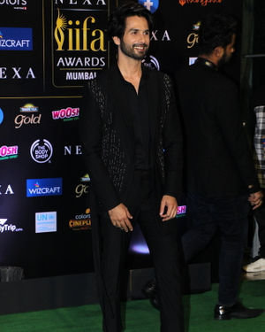 Shahid Kapoor - Photos: Celebs At The Green Carpet Of The IIFA Rocks 2019 | Picture 1683563