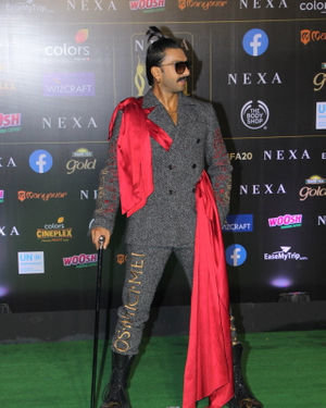 Ranveer Singh - Photos: Celebs At The Green Carpet Of The IIFA Rocks 2019 | Picture 1683588