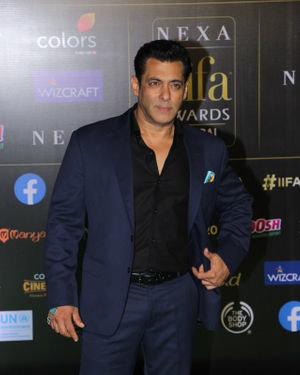 Salman Khan - Photos: Celebs At The Green Carpet Of The IIFA Rocks 2019