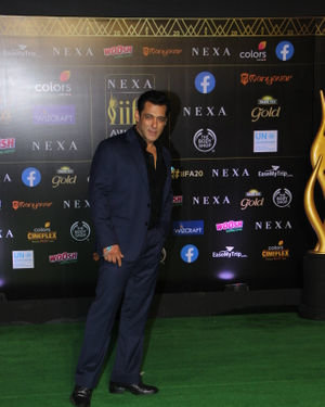 Salman Khan - Photos: Celebs At The Green Carpet Of The IIFA Rocks 2019 | Picture 1683579