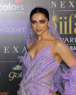 Deepika Padukone - Photos: Celebs At The Green Carpet Of The IIFA Rocks 2019