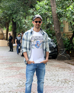 Photos: Hrithik Roshan Spotted During Promotions Of Film War | Picture 1683436