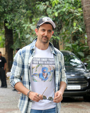 Photos: Hrithik Roshan Spotted During Promotions Of Film War