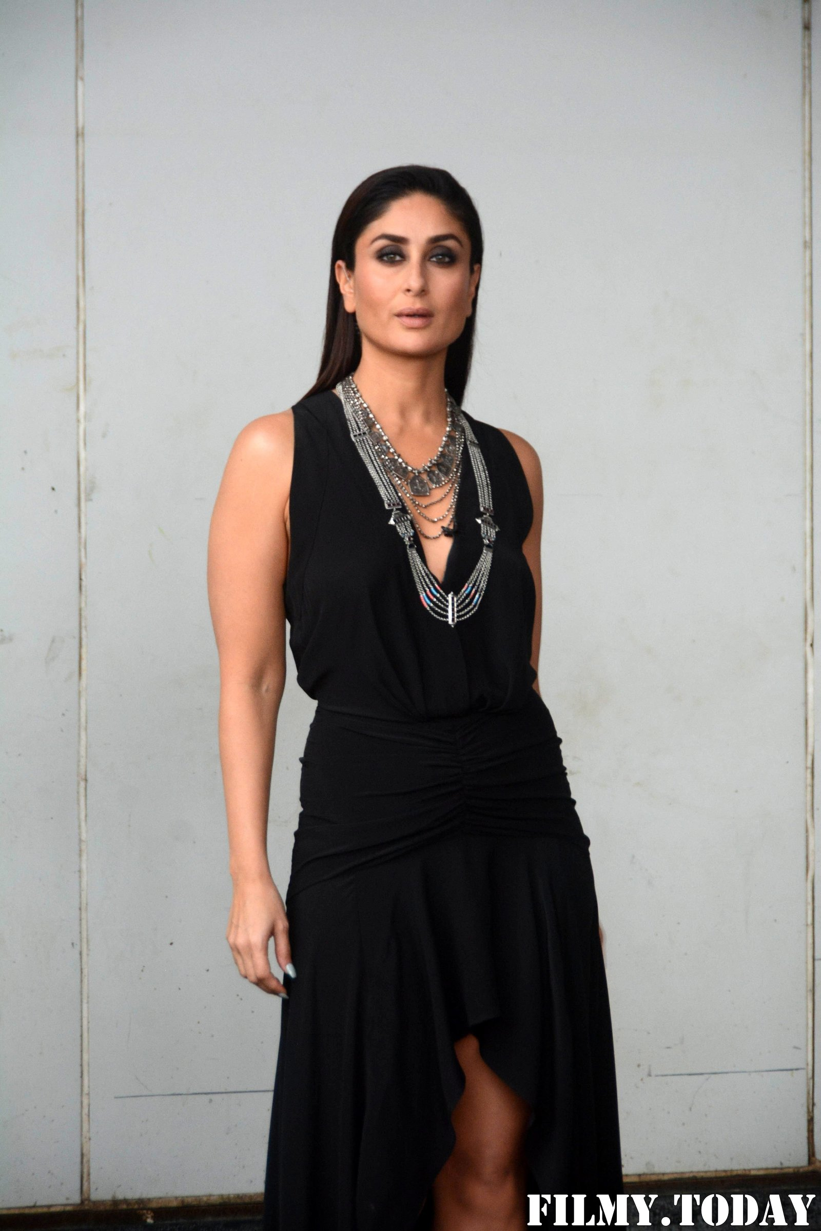 Kareena Kapoor - Photos: Promotion Of Film Made In China At The Sets Of Zee TV Dance India Dance | Picture 1683518