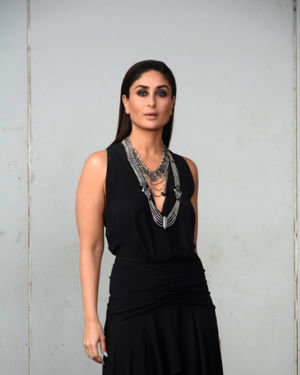 Kareena Kapoor - Photos: Promotion Of Film Made In China At The Sets Of Zee TV Dance India Dance