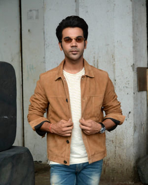 Rajkummar Rao - Photos: Promotion Of Film Made In China At The Sets Of Zee TV Dance India Dance
