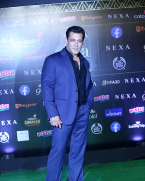 Salman Khan - Photos: Green Carpet Of IIFA Awards 2019 | Picture 1683681